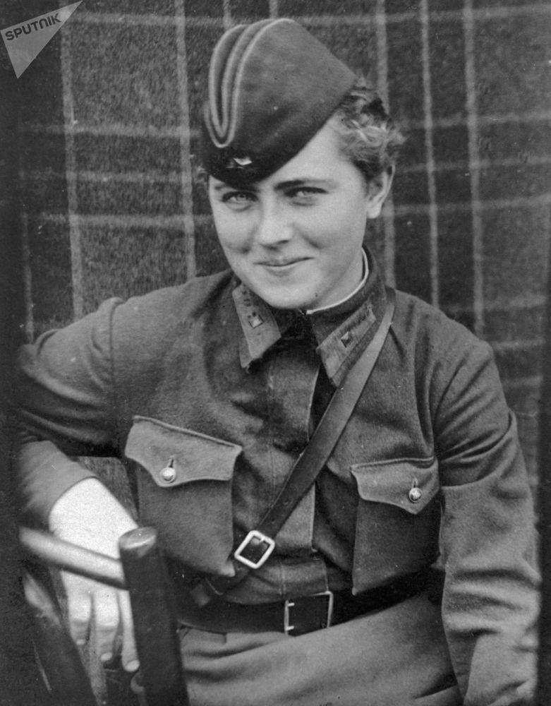 زنان در جنگ - پارتیزان ها، تک تیراندازها و خلبان های روسیه در جنگ جهانی دوم