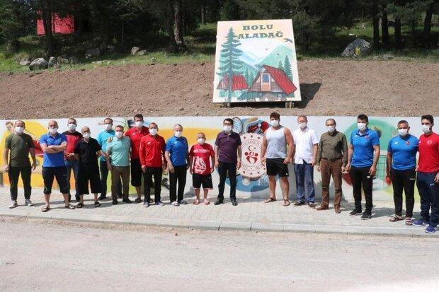 شروع تمرینات تیم کشتی فرنگی ترکیه در یک اردوگاه