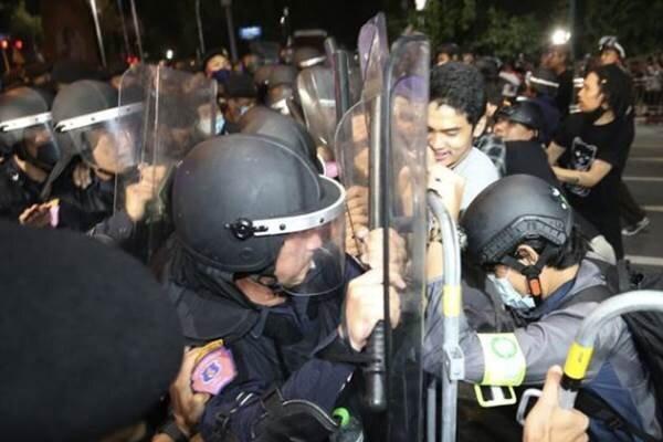 تجمع اعتراضی در تایلند ممنوع شد