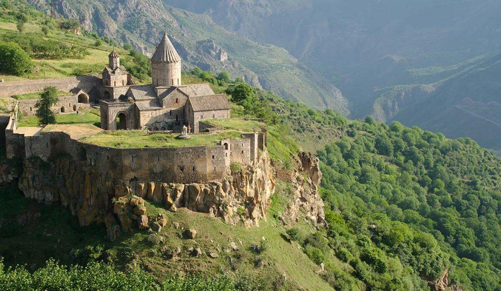 بهترین زمان سفر به ارمنستان چه فصلی است؟
