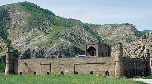 زلزله های امروز آسیبی به بناهای تاریخی مراوه تپه وارد نکرد