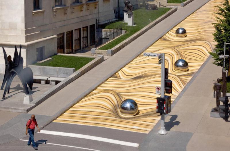 ایجاد خلاقانه منظره تلماسه های رنگی در یکی از خیابان های مونترال