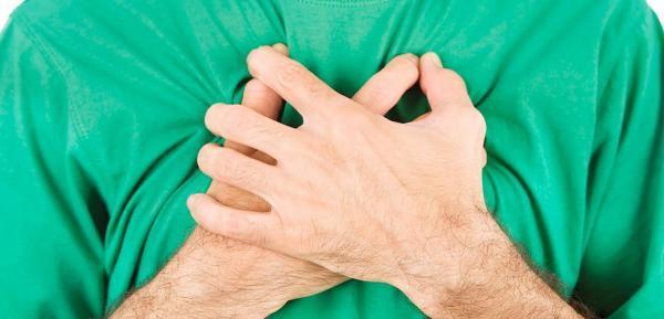 8 دردِ قفسه سینه؛ با حمله قلبی اشتباه نگیرید!