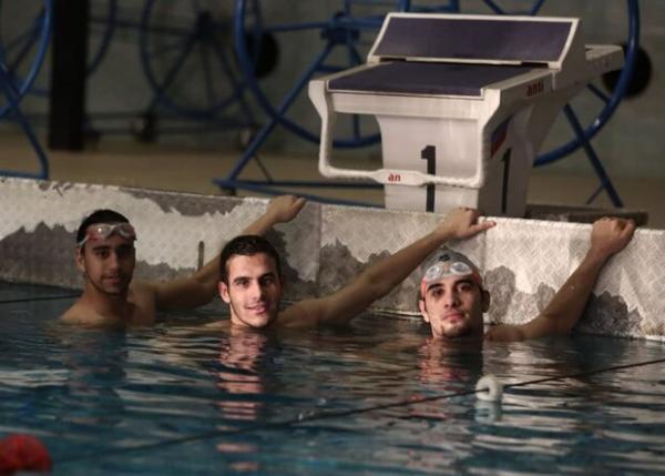 سه نماینده شنا ایران در مسابقات سهمیه المپیک فینالیست شدند
